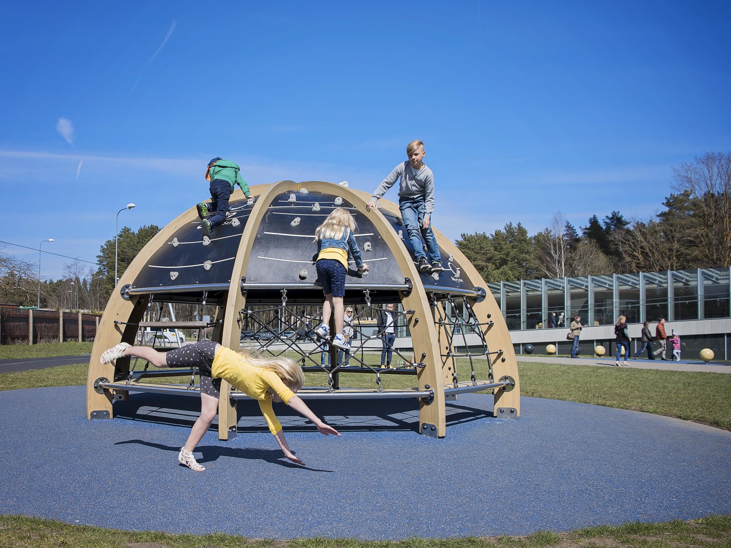 Lappset legeplads - planetarium